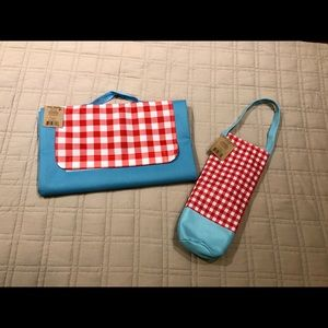NWT folding travel mat picnic blanket + wine tote